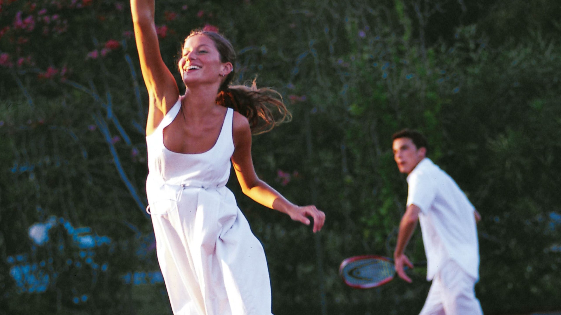 Classy Tennis Kit To Maintain The Wimbledon-Formed Hole In Your Life